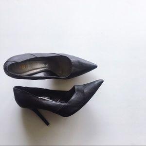 "Rare Z. Cavaricci Black 4"" Pointed-toed Heels"